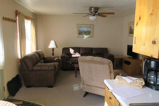 South Fork, CO: Living room