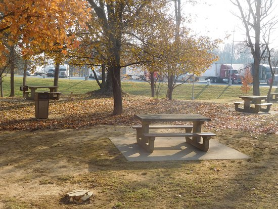 Falling Waters, Virginie-Occidentale : Picnic Tables