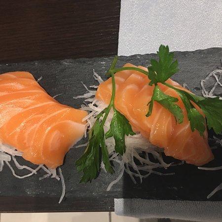 Sole Rosso: Nigiri e sashimi