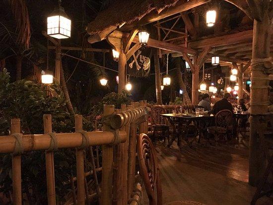 Captain jack s restaurant des pirates disneyland paris
