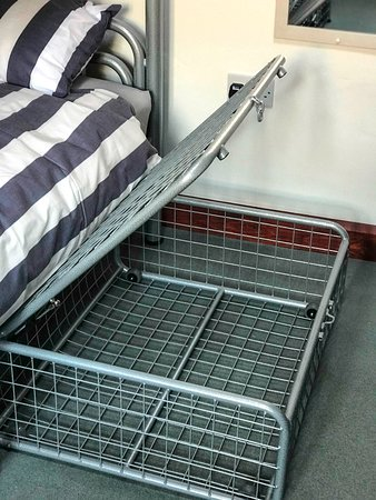 Lands End Hostel And Bed Breakfast Under Crates For Luggage Storage