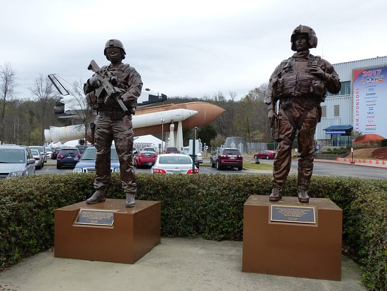 U.S. Space and Rocket Center: Soldier Statues