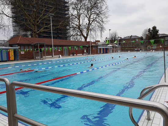 25 metre outdoor pool picture of london fields park. Black Bedroom Furniture Sets. Home Design Ideas
