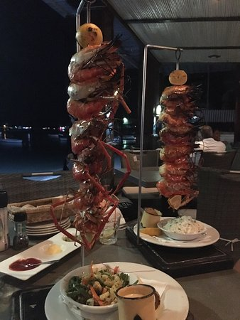 The Beach House Restaurant & Beach Bar: Brochettes de Gambas......exceptionnelles ...