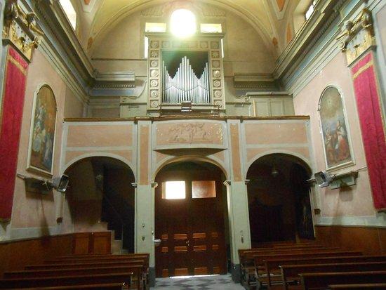Дольчеакуа, Италия: Interno chiesa