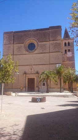 Porreres, Espagne : Front of church