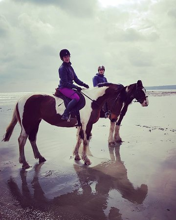 Ludgvan, UK: The ride culminated in a canter on a beach with beautiful views of St Michaels Mount