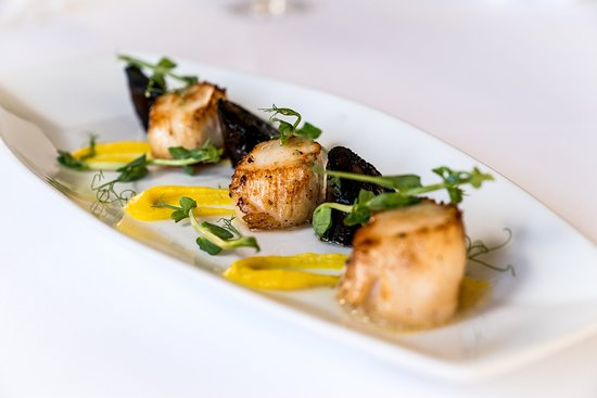 Wentbridge, UK: Seared Scallops with Black Pudding