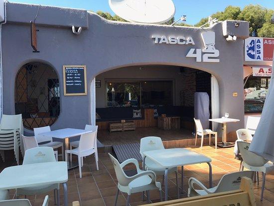 Tasca 42: Fachada Restaurante