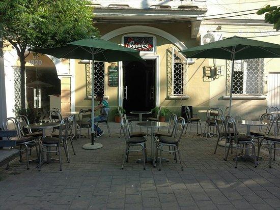 The Paradise Discoteca-Bar: The Paradise Discoteca-Bar