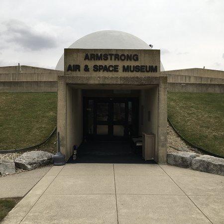 Armstrong Air & Space Museum: Stop in Wapokoneta