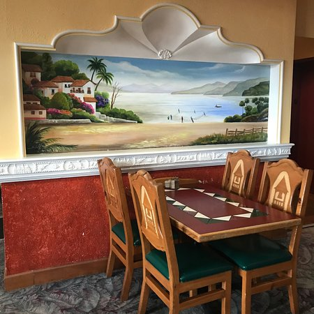 Mexican restaurant decor  - Picture of Catedral Tapatia