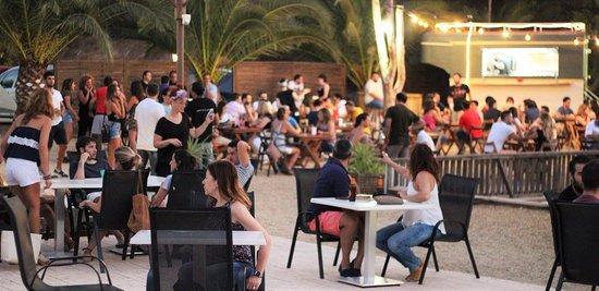 El Palmar, Spain: Durante la temporada de Verano ofrecemos servicio de cenas