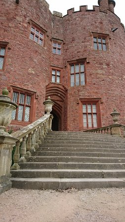 Powis Castle and Garden: IMG_20180314_141040_large.jpg