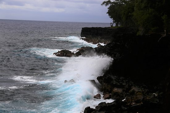 Kapoho Tide Pools: View of the surf from Hwy 132