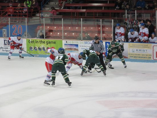 Sioux City Musketeers Vs Des Moines Buccaneers Game Play Picture