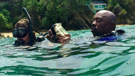 Bon Accord, Tobago: Prepping to dive