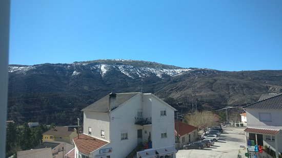 Abrigo da Montanha Hotel Rural & Spa: Vista do nosso quarto para a montanha