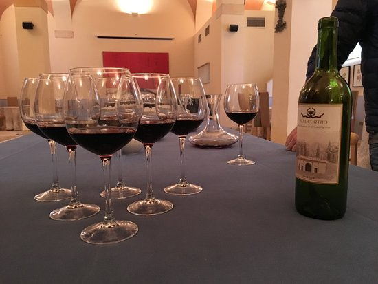 Wine Tasting Small Group Tour from Madrid: Glasses of wine to sample
