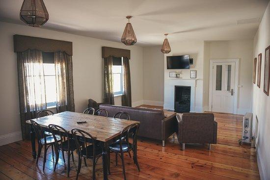 Deloraine, Australia: Our guest lounge