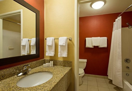 What Restaurants Are Close To Courtyard By Marriott Tampa Brandon Tampa Fl