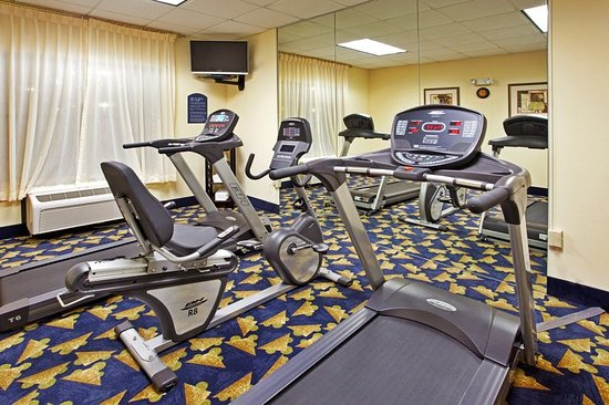 Holiday Inn Express Hotel & Suites Byron: Health club