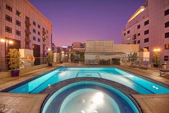 Grandeur hotel 30 6 8 updated 2018 prices reviews dubai united arab emirates for Dubai airport swimming pool price
