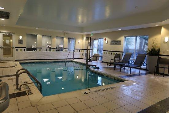 Fairfield Inn & Suites Carlisle: Indoor Pool