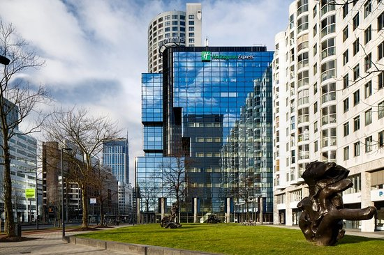 Holiday Inn Express Rotterdam - Central Station : Exterior