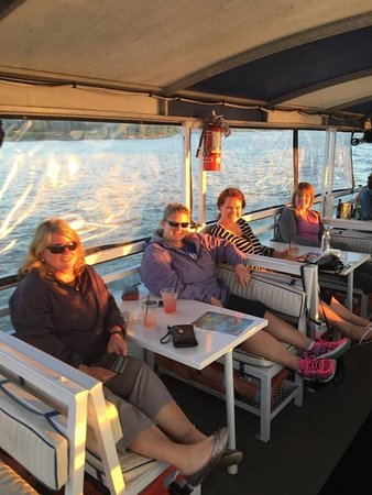 Chesapeake City, MD: M/V Bay Breeze Boat Tour 55+Communities, Church Groups, Non Profits are Welcome