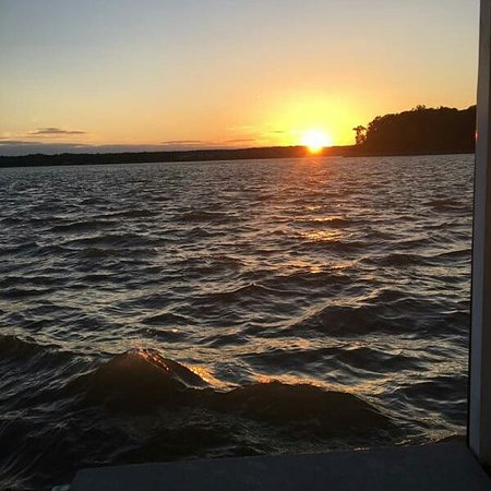 Relaxation Sunset Cruise on board M/V Bay Breeze of Chesapeake City