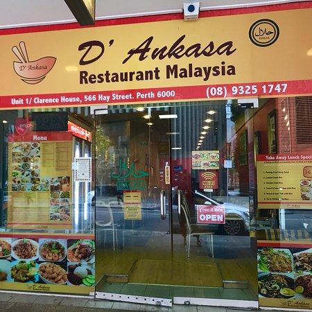 Malaysian Delicacies vs Western Delicacies Essay