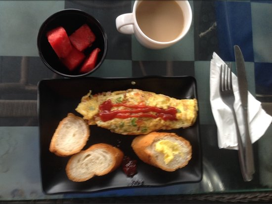 Eighty8 Backpackers: Breakfast omelette