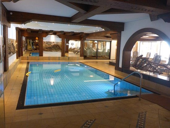 Vitalhotel Edelweiss : Pool, mehrheitlich von Kindern genutzt