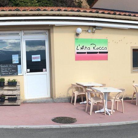Serra-di-Scopamene, Γαλλία: Snack pizzeria L Alta Rocca