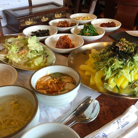 If you want to know bibimbab you need to eat here
