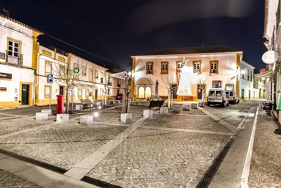 ‪Praca da Republica (Viana do Alentejo)‬