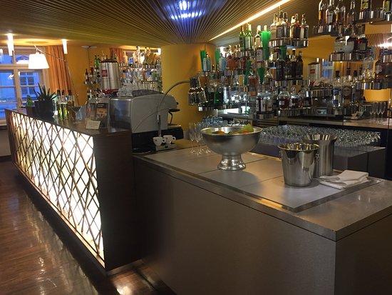 Desayunador y bar picture of perla hotel prague for Design hotel josef prague booking com