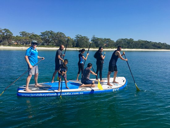 Huskisson, Australia: Join in as a group ... too much fun