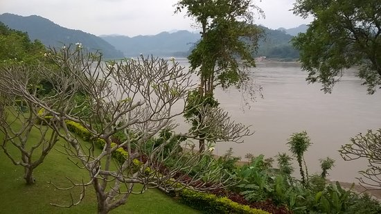 The Grand Luang Prabang Hotel & Resort: Direct view on the garden and Mekong river