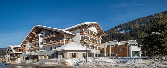 Design wellness hotel alpenhof bewertungen fotos for Wellness hotel design