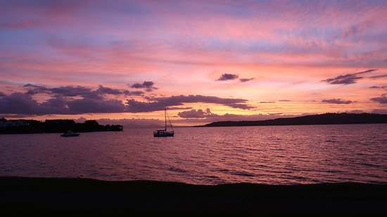 Millennium Hotel and Resort Manuels Taupo: Lovely sunset over lake