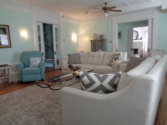 Living Room, Shared Area