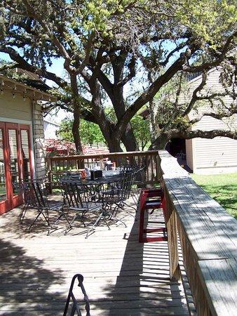 Ingram, TX: Dining on the Deck