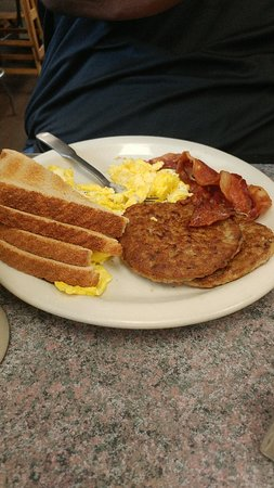 Elm Centre Breakfast-Lunch: 0401181050a_large.jpg