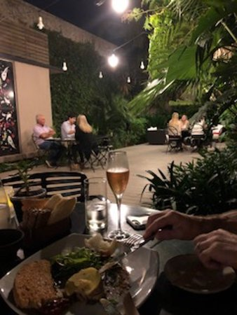Fierro Hotel Buenos Aires: Outdoor dining