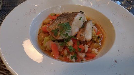 Ciboule et Ciboulette : Poisson sur lit de soupe de poisson aux petits légumes
