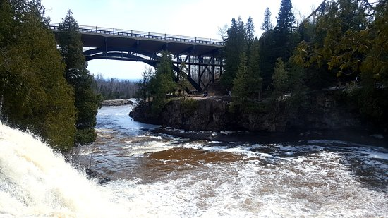 Gooseberry Falls State Park: gooseberry fall state park