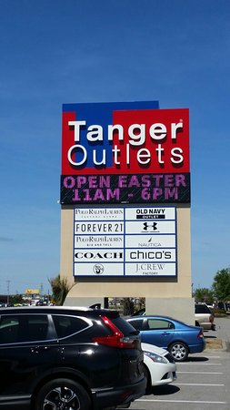 Good location, walking distance to Tanger Outlets. Like the resort was what we expected. But watch high pressure tactics of trying to come into their salles pitch.4/5().