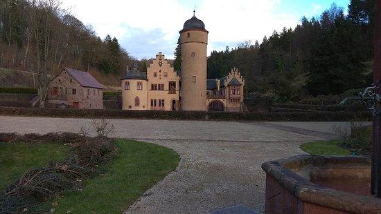 Mespelbrunn, Deutschland: IMG_20180331_184525_large.jpg